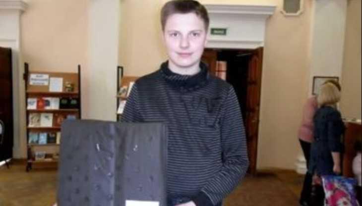 Брянский школьник создал уникальную подушку для оздоровления