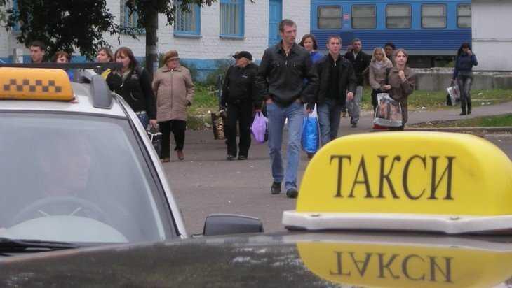 Изнуренные брянские таксисты рассказали о своей зарплате