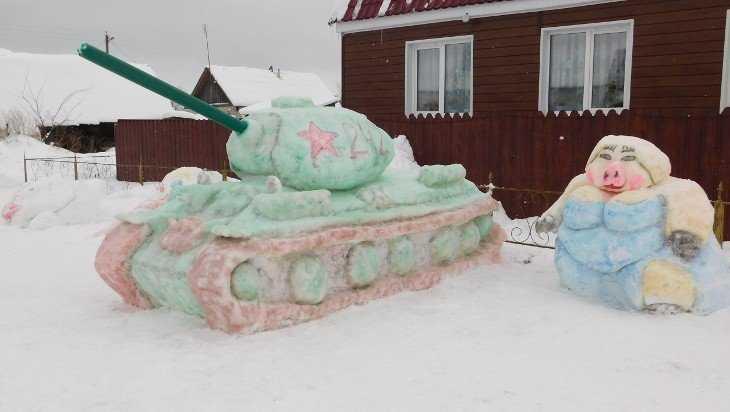 Брянцев порадовали снежные фигуры в Синезерках
