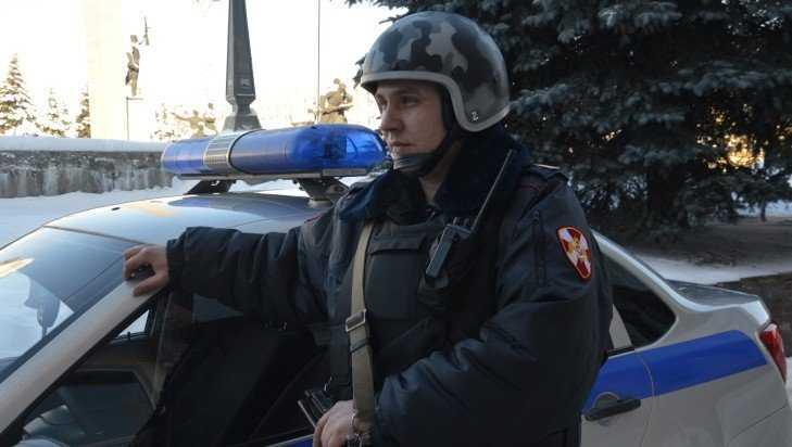 Брянские гвардейцы задержали ограбившего автозаправку налётчика