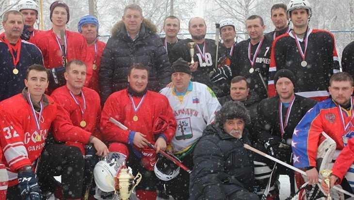 Брянский губернатор побывал на турнире по хоккею в Стародубе