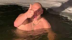 Брянский депутат Валуев рассказал, почему не сварился в пруду