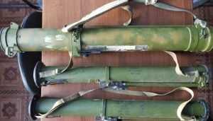 В Брянске ФСБ изъяла у подпольных оружейников взрывчатку и огнемёт