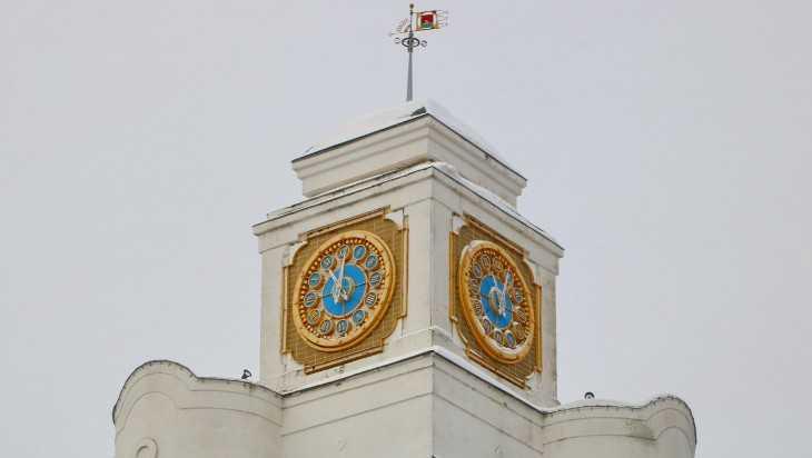 В Брянске починили главные часы города