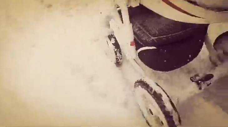 В Брянске сняли видео о героизме женщины с детской коляской