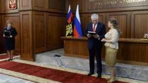 Брянскую журналистку наградил глава МВД Владимир Колокольцев
