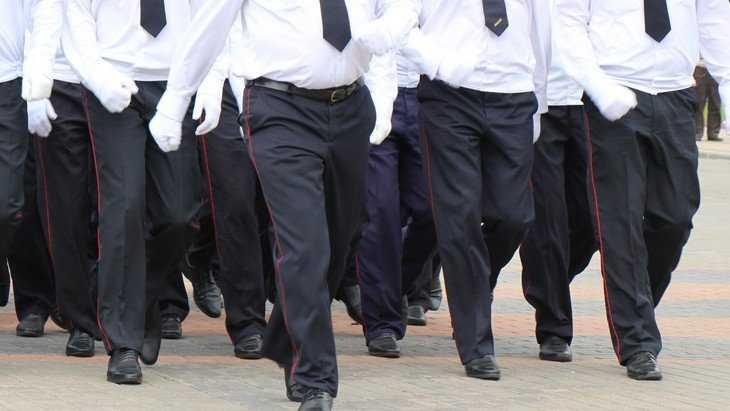 От переизбытка кадров брянская полиция приноровилась ловить блох
