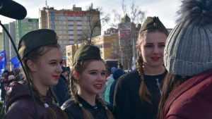 В Брянске на Кургане собралась тысяча сторонников «Единой России»
