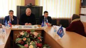 Депутат Николай Валуев выслушал жителей Клинцов