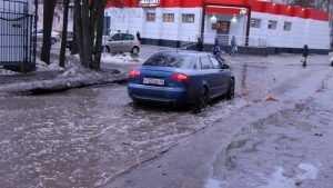 20 метров вброд до цивилизации: умные градостроители утопили Брянск