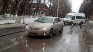 В Бежице столкнулись микроавтобус и «Тойота»