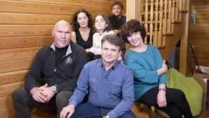 Программу «Когда все дома» о семье брянского депутата Валуева покажут 3 марта