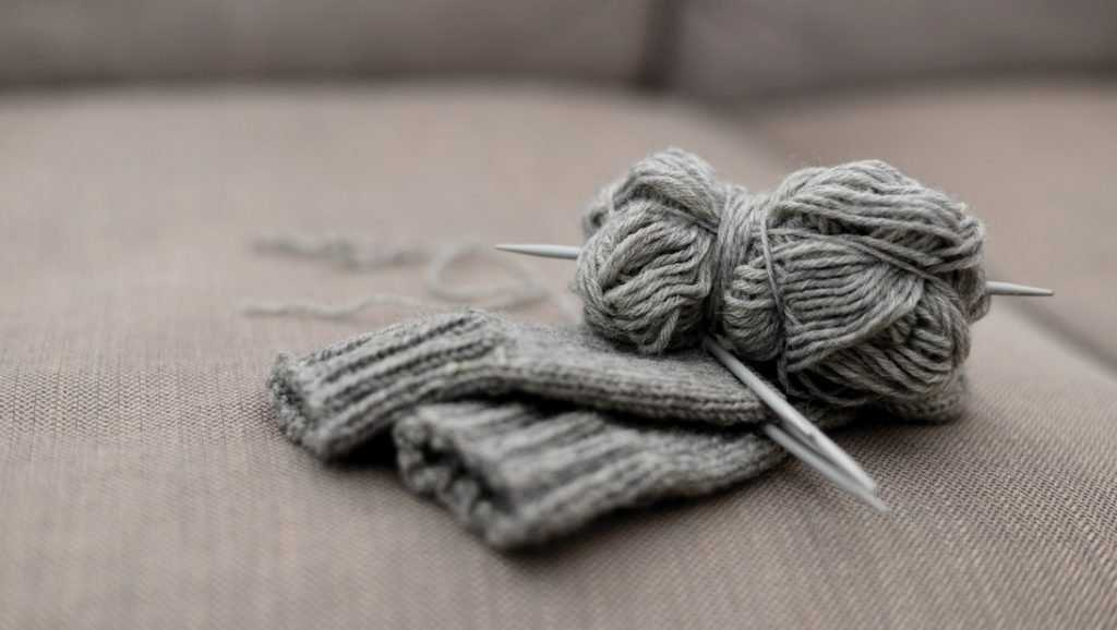 Какова польза от вязания