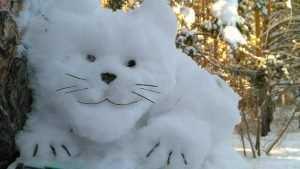 Брянский умелец опять удивил своими снежными скульптурами