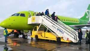 Снегопад стал причиной задержки авиарейса из Санкт-Петербурга в Брянск