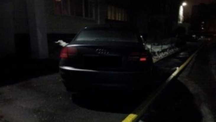 В Брянске водителя Audi оштрафовали за парковку на тротуаре