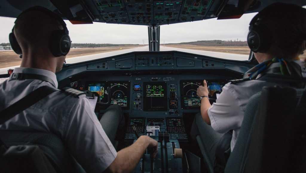 Высокие зарплаты толкнули российских пилотов на взятки
