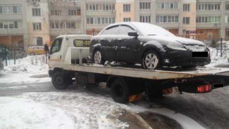 В Брянске водителей наказали за стоянку на тротуарах