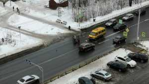 В Брянске водитель маршрутки на пешеходном переходе сбил женщину