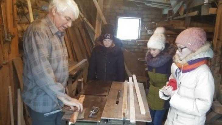 В брянской деревне решили сохранить древние ремёсла