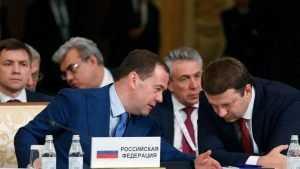 Медведев рассказал сенаторам, как ставить ударение в слове свекла
