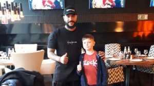 Девятилетний мальчик Артем Стимкин из Брянска встретился с Тимати
