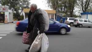 Министр пообещал не повышать пенсионный возраст до 100 лет