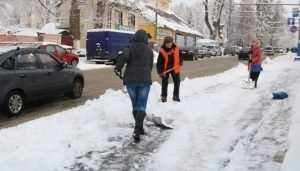 Брянские коммунальщики проиграли битву со снегом