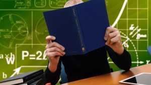 Чиновники решили обязать родителей содержать детей во время учебы в вузе