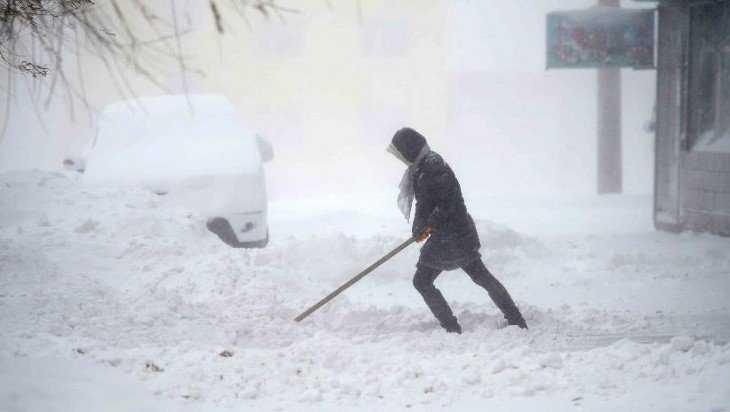 В Брянске 13 управляющих компаний накажут за плохую уборку снега