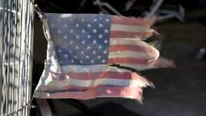 На Гаити протестующие сожгли флаг США и попросили помощи у России