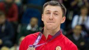 Брянский баскетболист Фридзон передаст детскому фонду 500 тысяч рублей