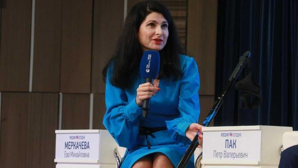Брянская журналистка Ева Меркачева встретилась с «казанским стрелком»
