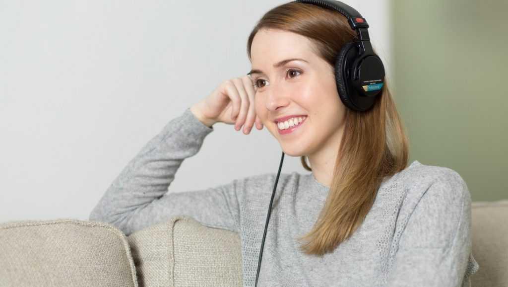Почему люди любят слушать музыку