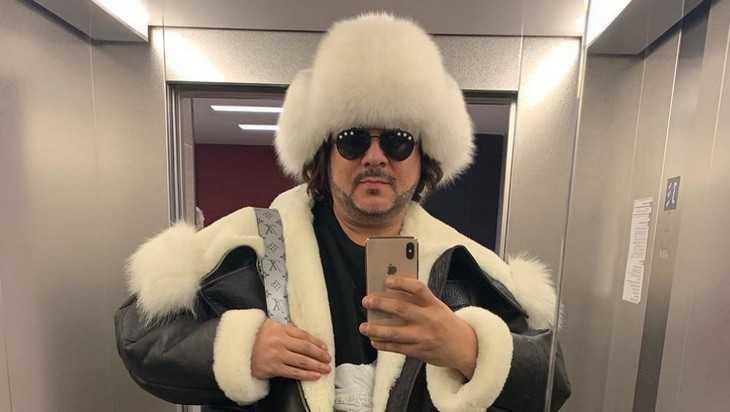 Киркоров в Брянске своими песнями разогрел публику в тулупах и куртках