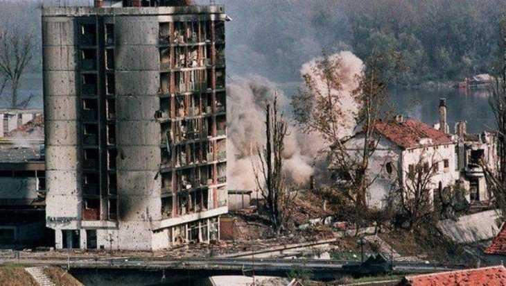 Двадцать лет назад НАТО показало свой звериный оскал