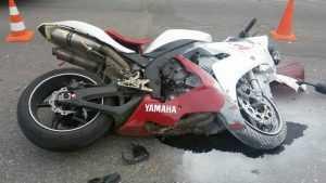 В Унече автоледи на «Рено» сшибла мотоцикл «Ямаха»