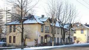 Суд обязал брянскую власть расселить жильцов домов на улице Советской