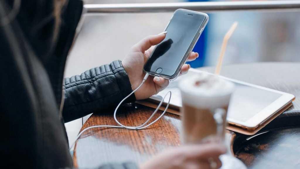 В Брянске количество пользователей сервиса мобильной коммерции Tele2 увеличилось на 38%