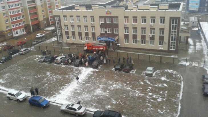 В Брянске сотрудников УМВД эвакуировали из здания миграционной службы