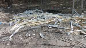 На окраинах Брянска нашли свалки ламп с ртутью