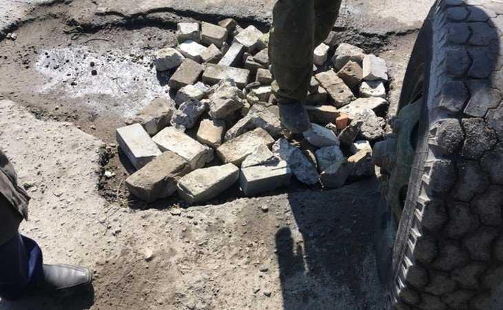 Разгневанные жители улицы Чайковского в Брянске взялись за кирпичи