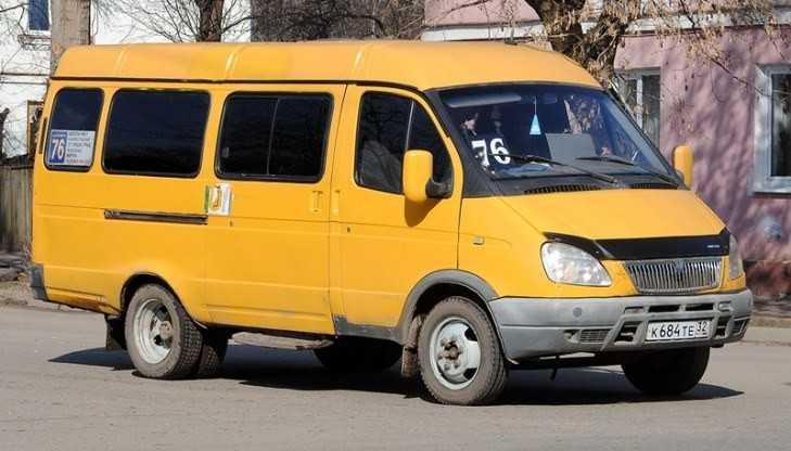 В Брянске рассказали о войне маршрутчиков со студентами