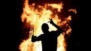 Погарец ответит в суде за поджог дома своей пассии