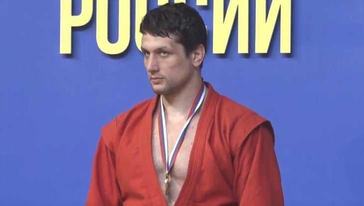 Артем Осипенко в восьмой раз стал чемпионом России по самбо