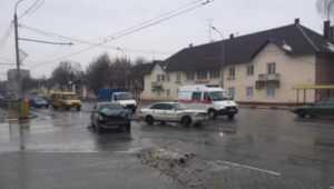 В Брянске при столкновении иномарок пострадали две женщины
