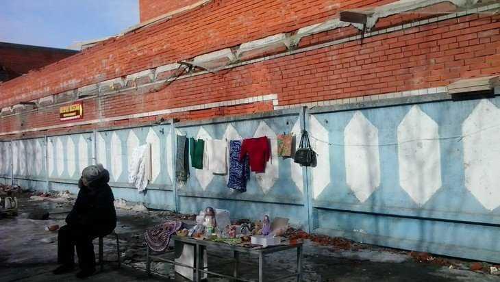 Безумие по-брянски: обрушившееся возле рынка здание будут достраивать