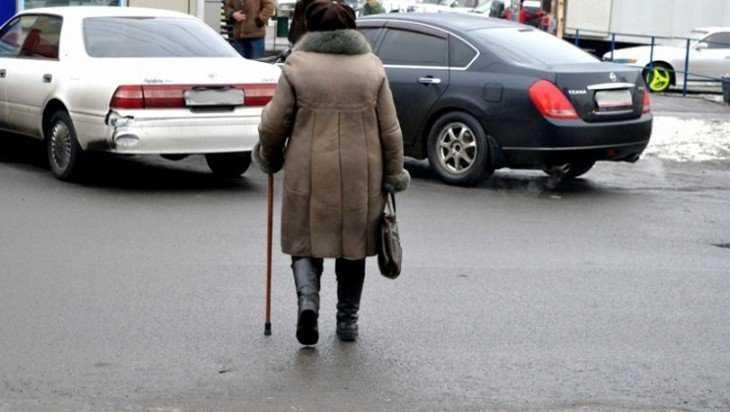 В Брянске неизвестный водитель сбил пенсионерку