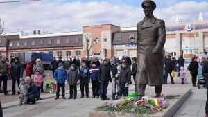 В Брянске прошел митинг в честь космонавта Юрия Гагарина