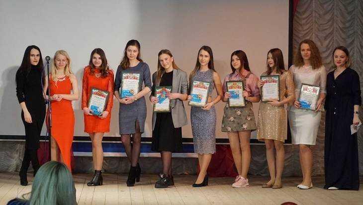 В Брянской области подвели итоги конкурса красоты «Мисс Навля»